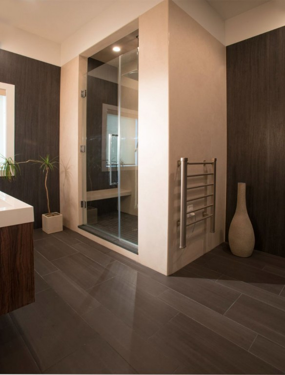 Laminam in Pietra Di Savoia and I Naturali Ossidiana Vena Scura in the master bath